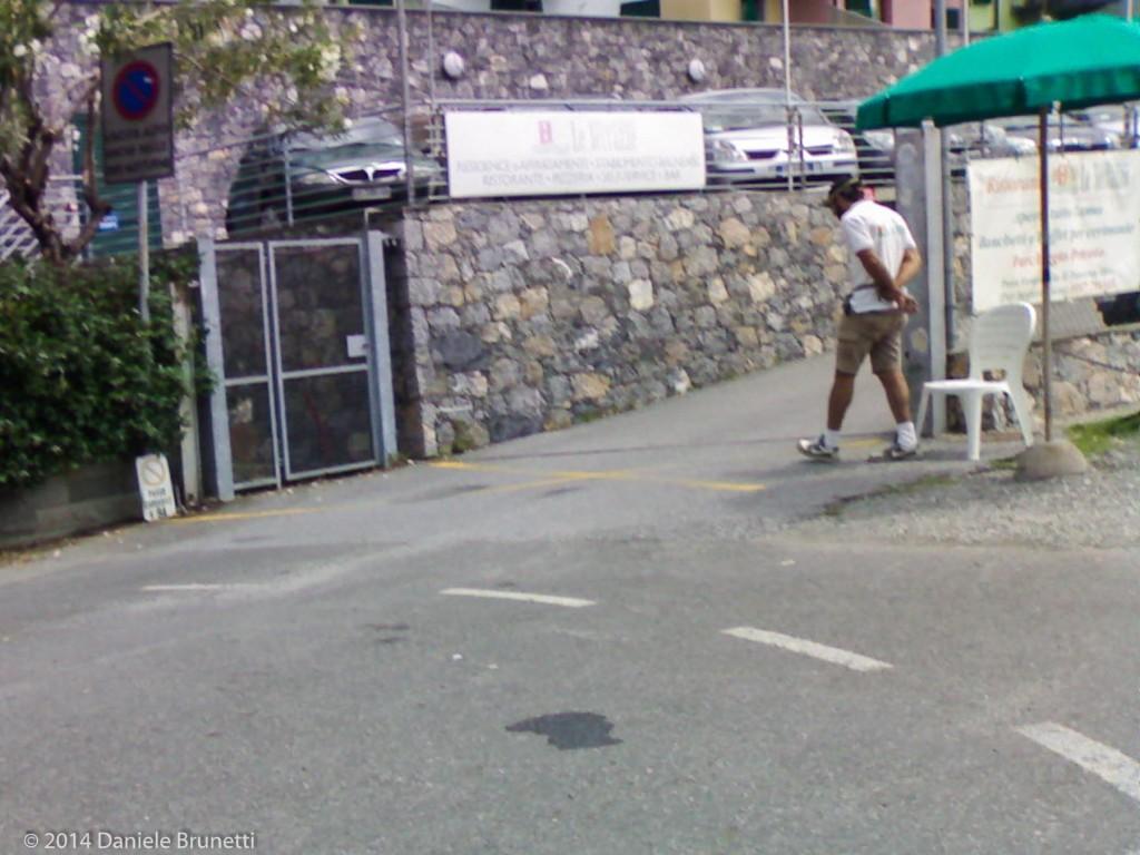 Un classico giorno a Le Terrazze (varco di accesso al parcheggio pubblico e ora gratuito)