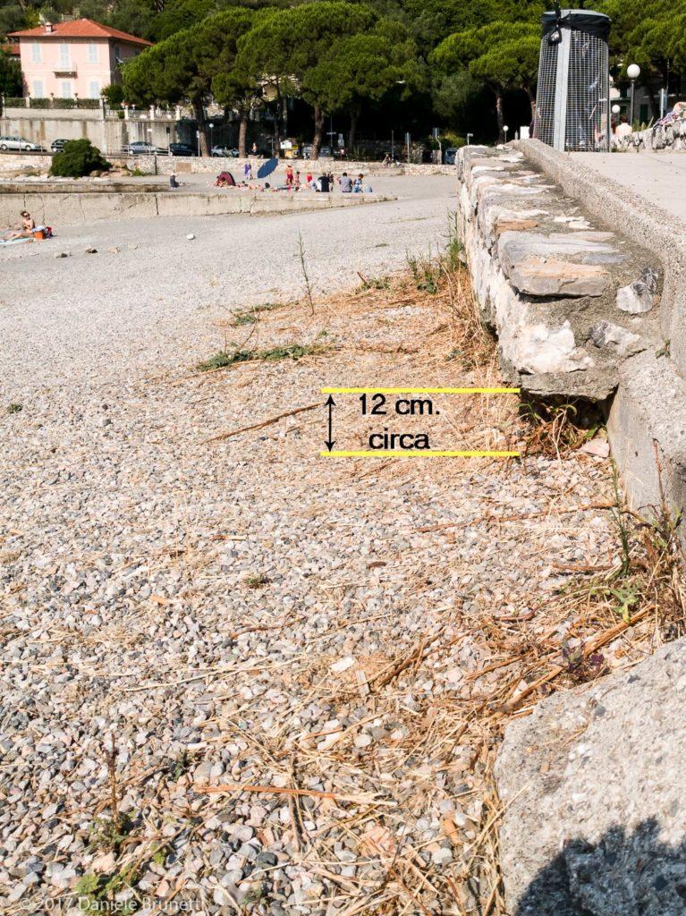 27.06.17 - Olivo Portovenere (SP) - Il muretto svela lo spessore originario dell'arenile